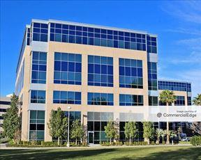 Campus @ Warner Center - 21255 Burbank Blvd - Woodland Hills