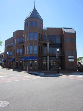 790 Station Street