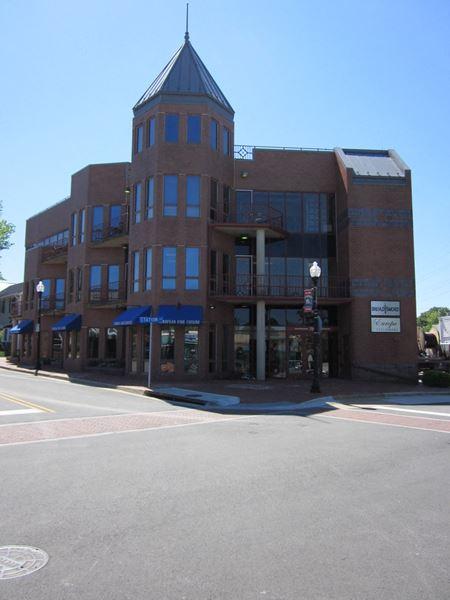 790 Station Street  - Herndon