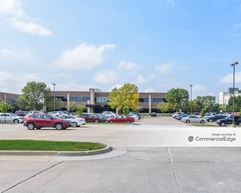 Country Club Office Plaza - Summit Building - West Des Moines
