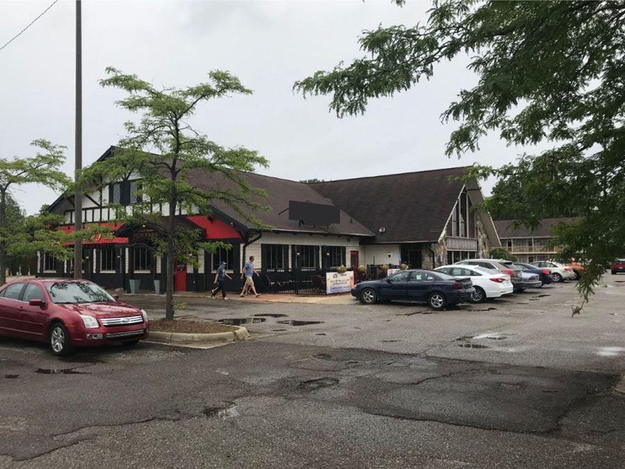 Former Restaurant & Sports Bar
