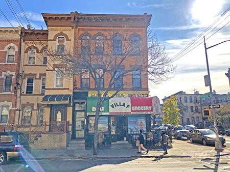 1712 menahan street - Queens