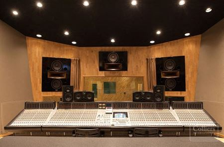 The Tracking Room - Nashville
