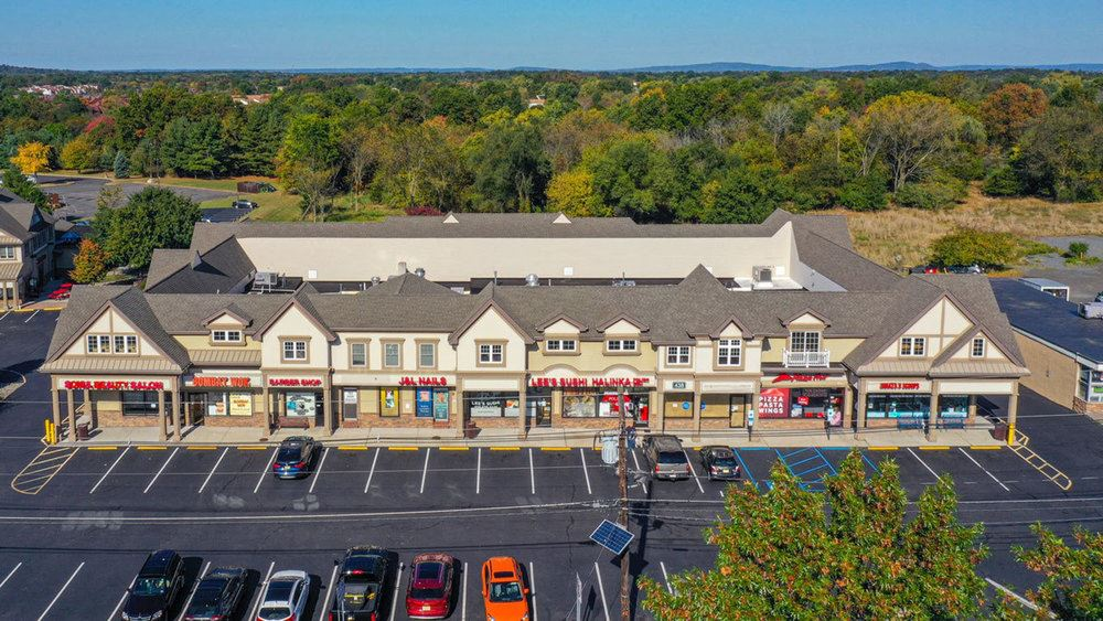 The Shoppes at Woods Tavern - 438 Amwell Road