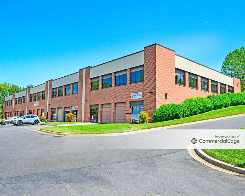 Girard Business Center - 220 Girard Street