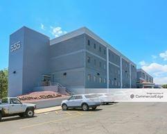 Zang Business Center - Lakewood