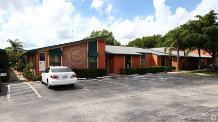 11595 Kelly Road - Fort Myers