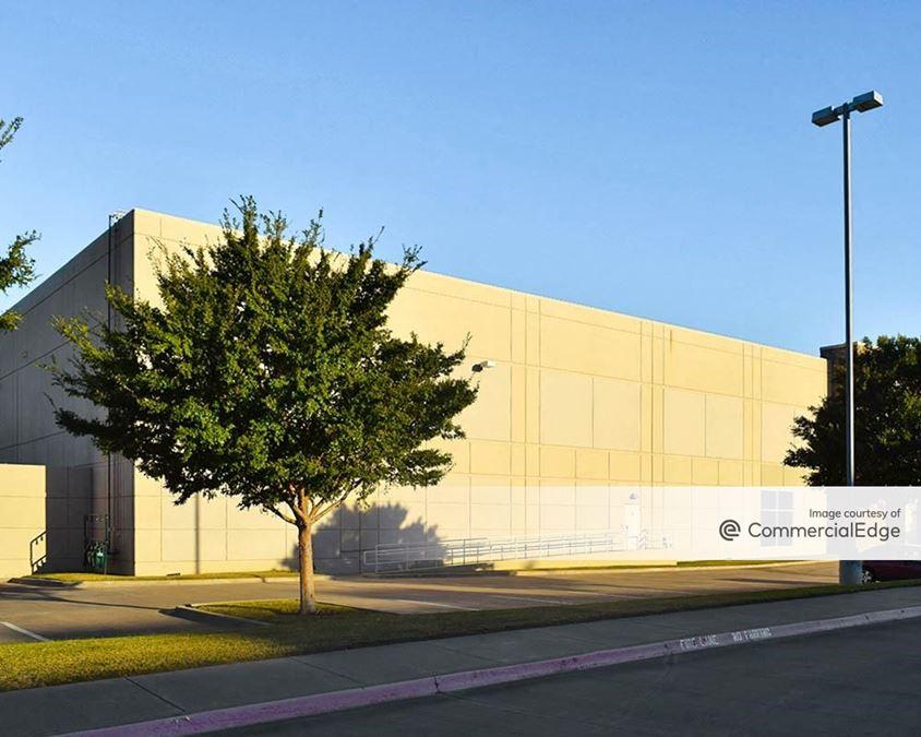 Lakeside Commerce Center - 1600 Lakeside Pkwy