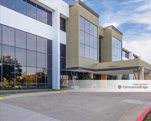 Las Colinas Commons