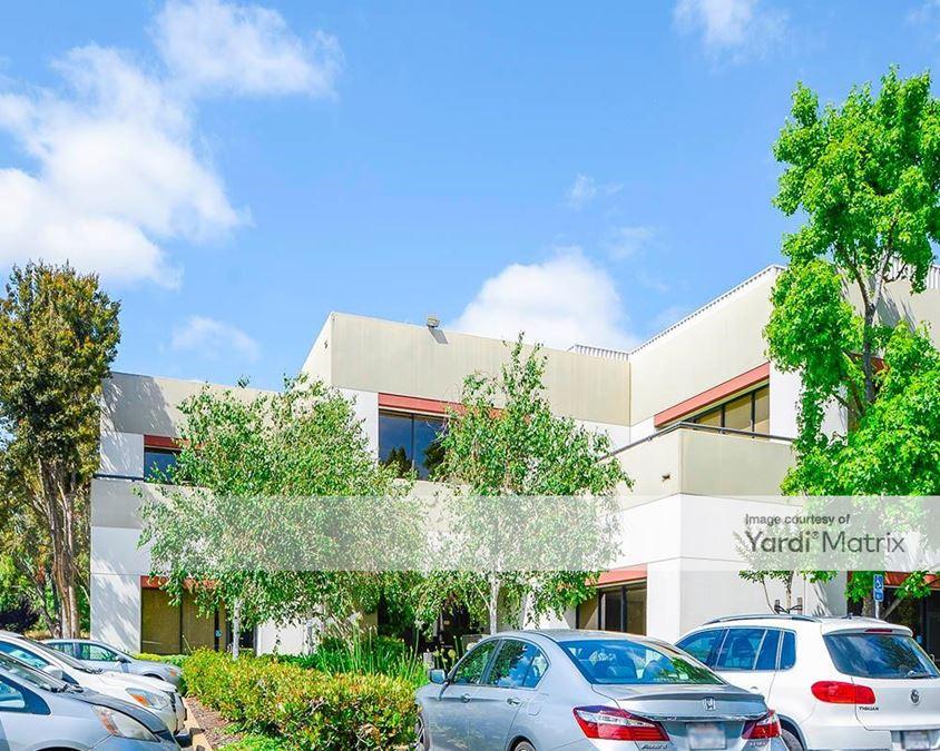 Oak Creek Business Center