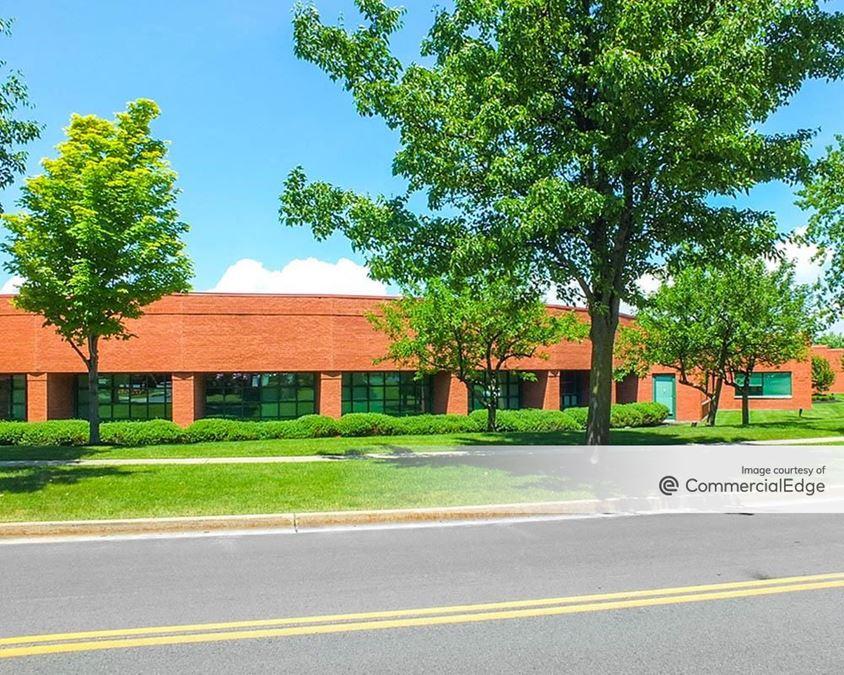 Centerpointe Corporate Park - 425 Essjay Road