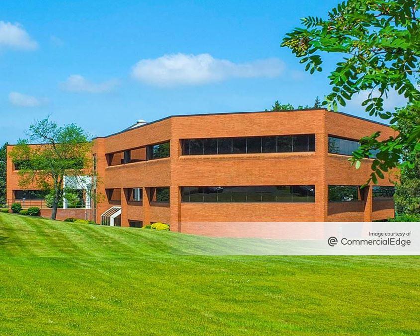 Sheridan Meadows Corporate Park - South - 6215 Sheridan Drive