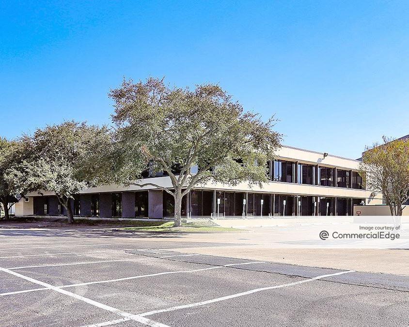 Woodchase Building II