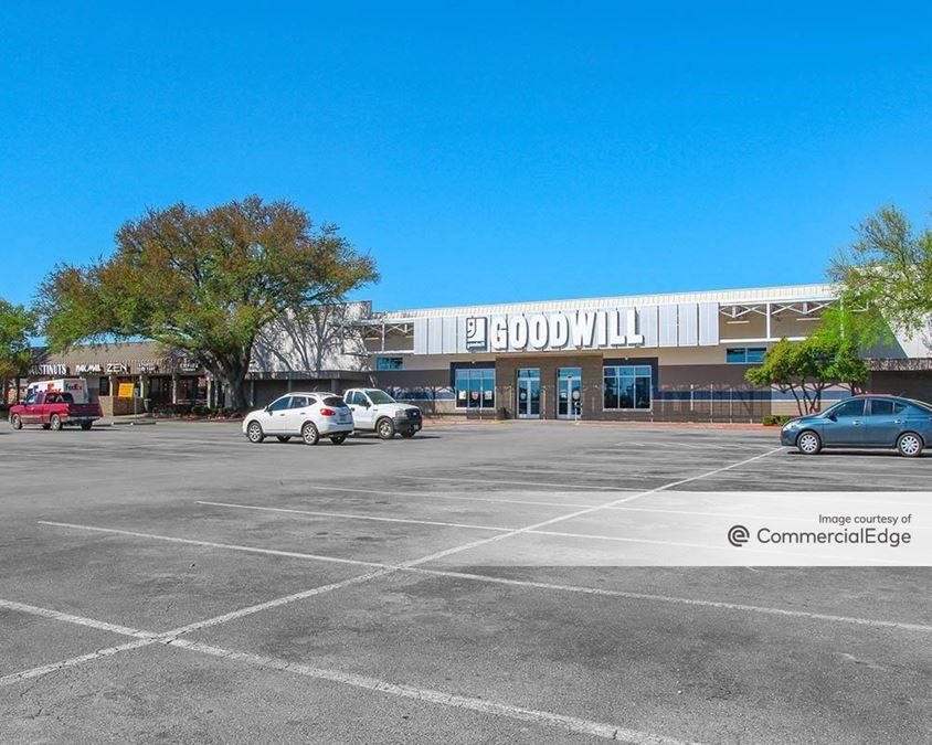 Northwood Plaza
