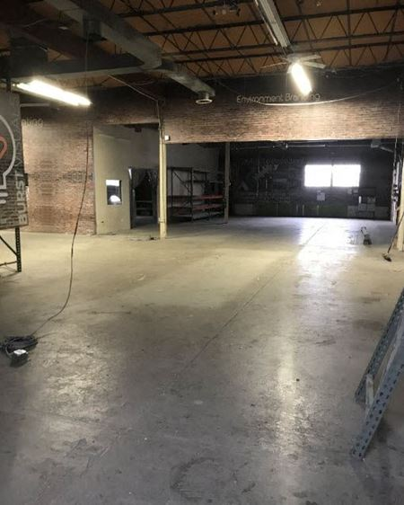 Industrial Property For Lease In Copiague - Copiague
