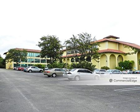 6801 Building - Greenacres