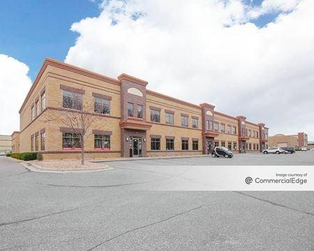 Crossroads Commerce Center - Woodbury