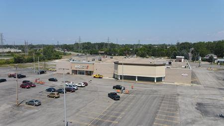 Big Lots Shopping Center - West Seneca