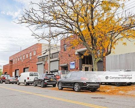 18-45 Steinway Street - Long Island City
