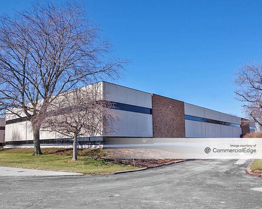 Arrowhead Park - 480 West Dussel Drive