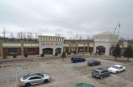 Cambridge Square Shopping Center - Taylor