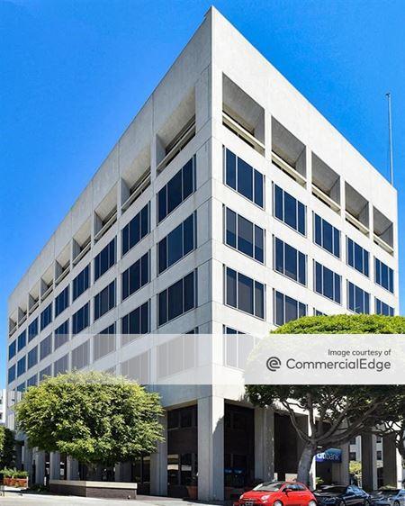 501 Santa Monica Blvd - Santa Monica