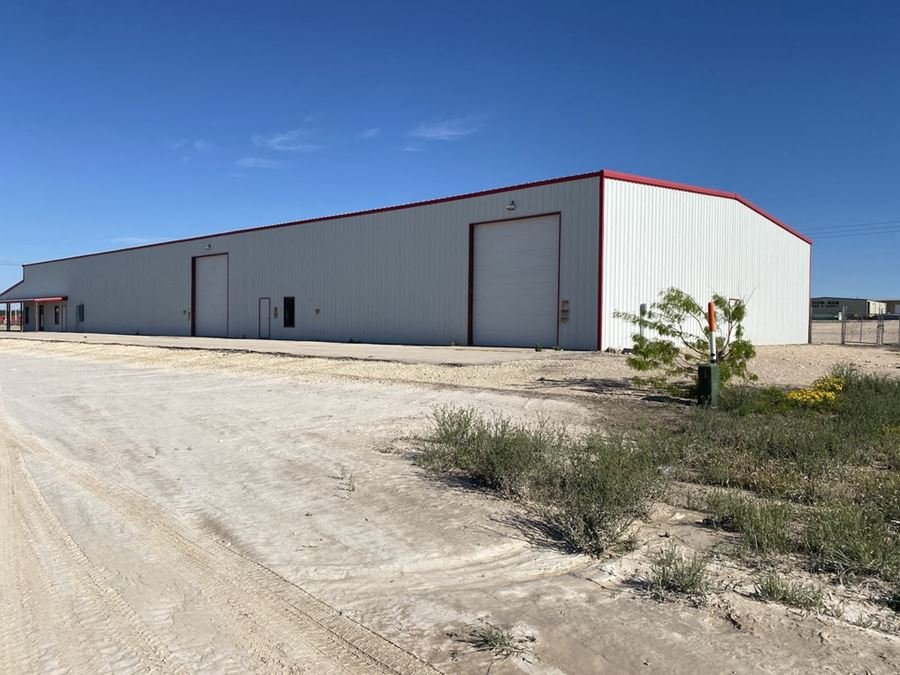 16,000 SF on 4.67 Acres w/ U.S. Hwy 67 Frontage