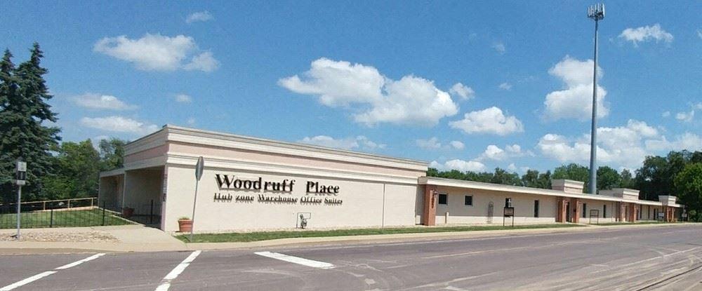 Woodruff Place / Woodruff Commons
