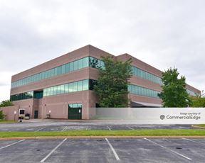 13971 Riverport Dr. - St. Louis
