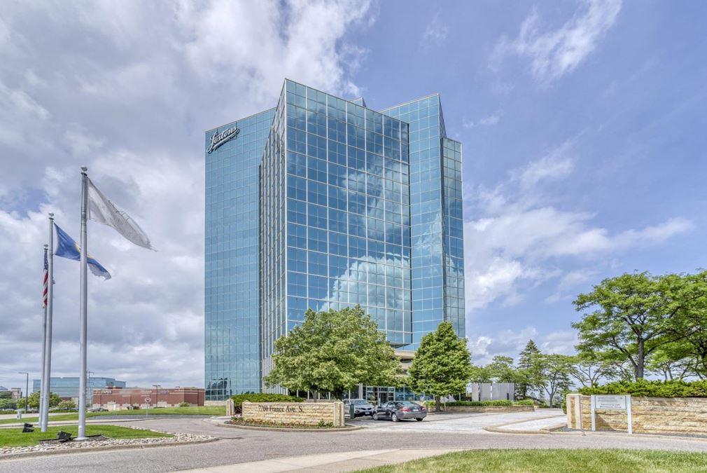 Regus   Minnesota Center