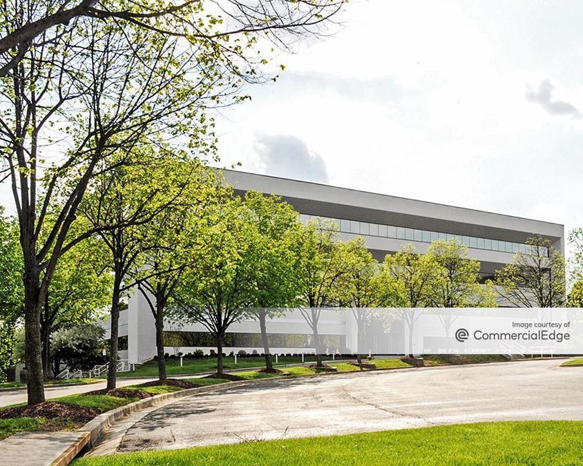 270 Corporate Center - 20250 Century Blvd