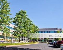 Waltham Woods Corporate Center - 880 Winter Street - Waltham