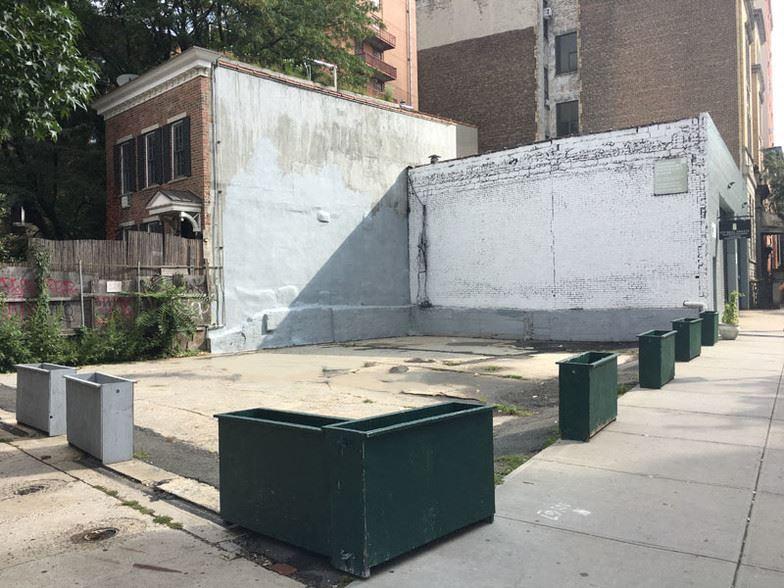 685 Washington Street