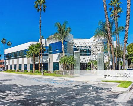Fairmount Office Plaza - Riverside