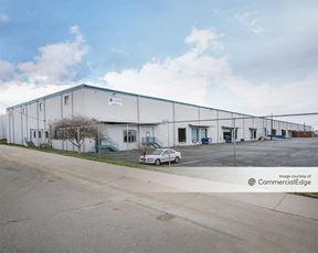 Freeway Industrial Center - Denver