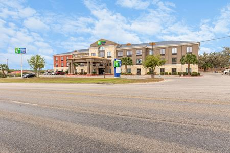 Holiday Inn Express - Beeville - Beeville