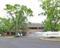 655-800 Business Center Drive - Horsham