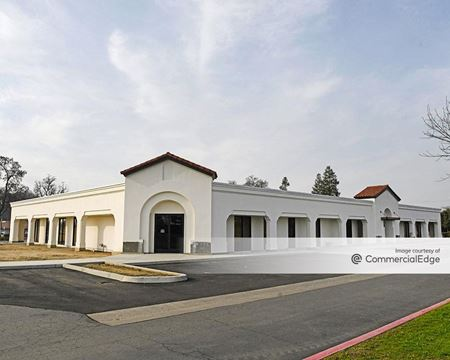 Hyde Park Office Complex - Visalia