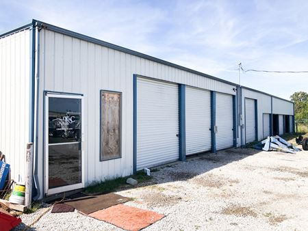 8,000' of Industrial Space for Sale - Neosho