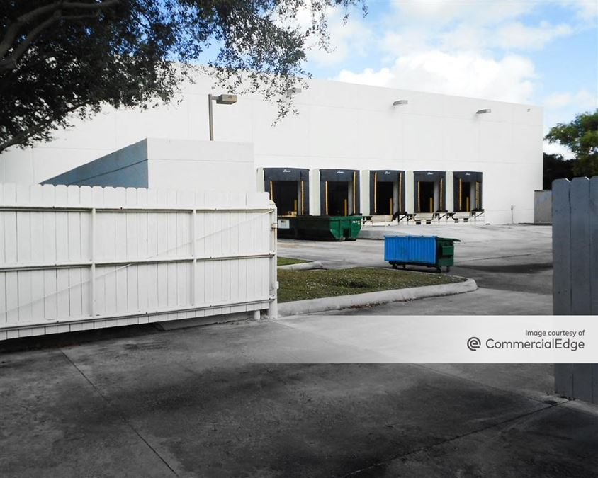 Miramar Park of Commerce - 10109-10181 USA Today Way & 3251 Commerce Pkwy