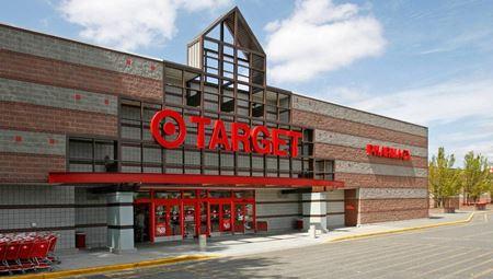Southcenter Plaza Shopping Center - Tukwila