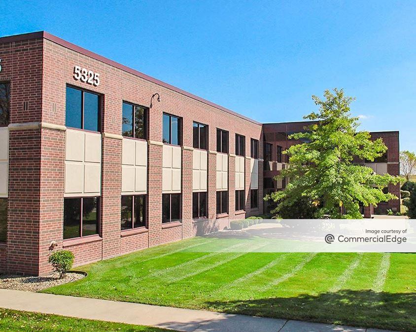 High Crossing Office Park - 5325 Wall Street