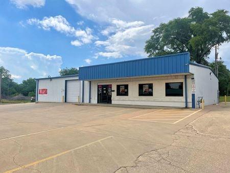 West Wichita Auto Service Building - Wichita