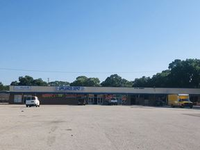 +/- 27,000 SF Retail Building For Lease - Jacksonville
