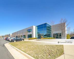 Sterling Park Business Center - 22400 & 22446 Davis Drive