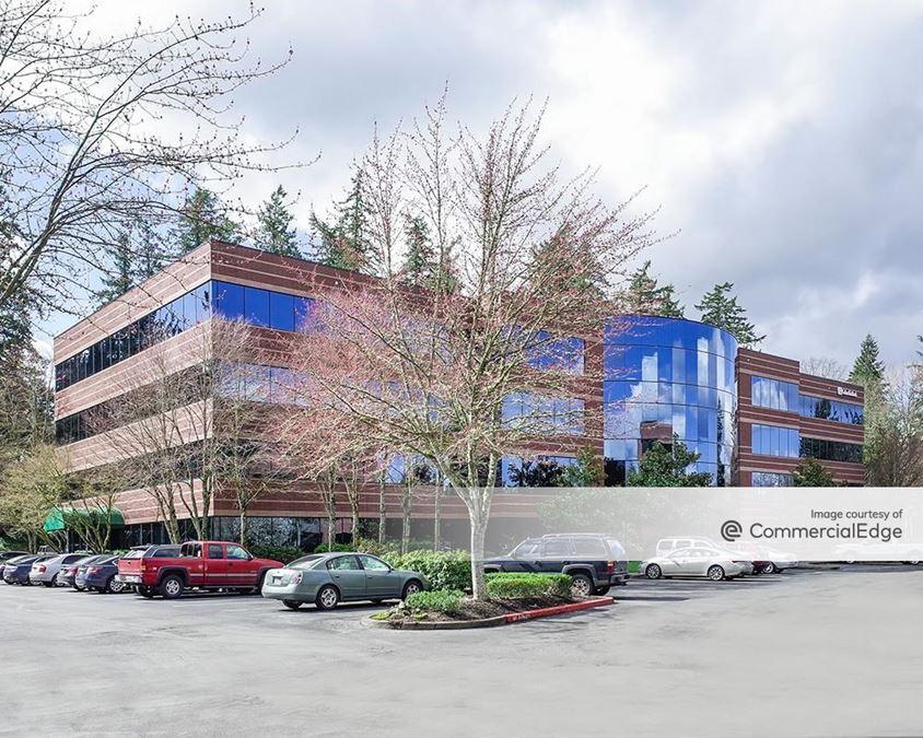 Kruse Woods Corporate Park - 5000 Meadows
