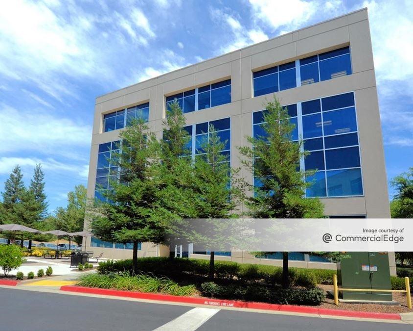Crown Corporate Center - 2860 Gateway Oaks Drive
