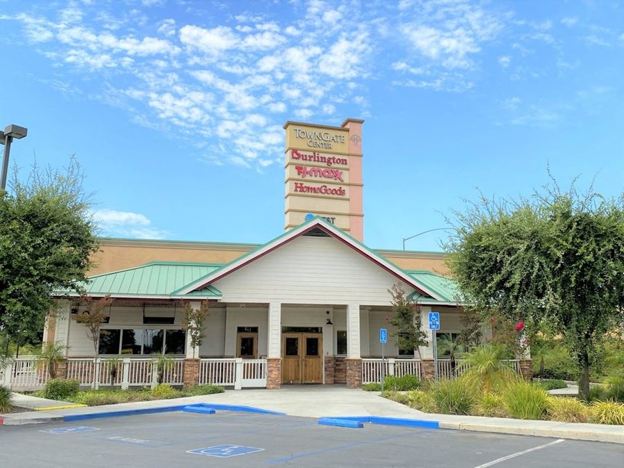 Towngate Plaza - Former Outback Restaurant Available