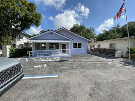Freestanding Office with Parking - Fort Lauderdale