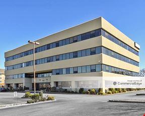 Pistilli Corporate Plaza - Whitestone